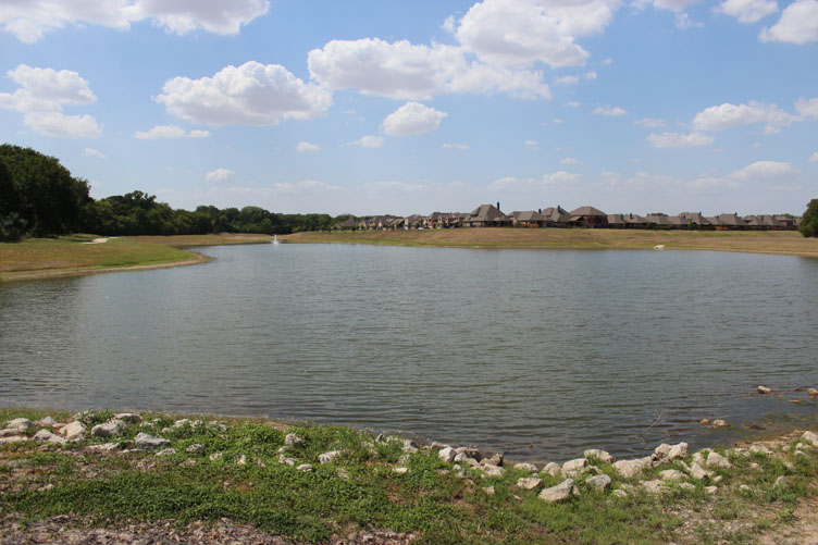 Creekview Estates lake fountain | McKinney, TX | Get McKinney